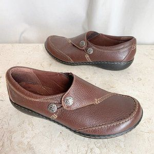 Clarks Shoes 7 N Brown Leather Loafers Slip On
